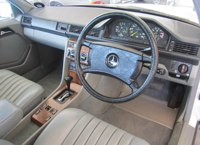 2006 MERCEDES-BENZ E280 for sale in Cape Town full
