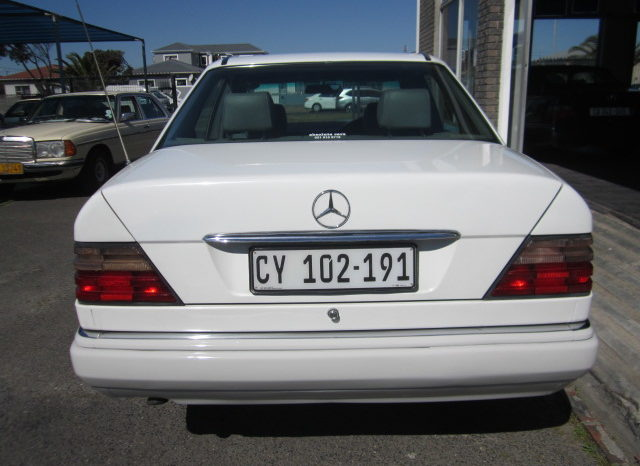 1994 MERCEDES-BENZ E300 DIESEL for sale in Cape Town full